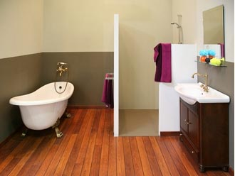 Pose de parquet dans une salle de bain est ce une bonne - Parquet pour salle d eau ...